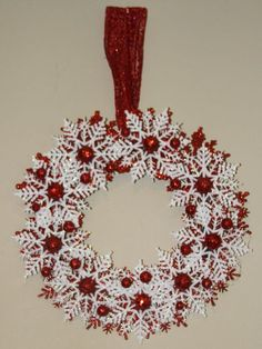 Christmas Snowflake Wreath - Candy Cane Wreath - Red and White Holiday Decoration - Winter Wreath - Snowflake Home Decor