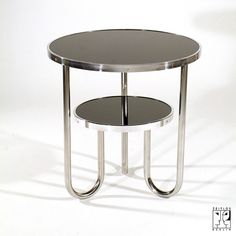 Tubular steel table in the style of the Bauhaus-Modernism
