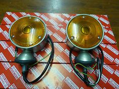 genuine toyota landcruiser fj40 indicator park light round early fj45 hj47 bj42 - Categoria: Avisos Clasificados Gratis  Item Condition: NewPair of Very Early style round park lightsindicators Complete Assembly Genuine Toyota FJ40 FJ45 HJ45 HJ47 BJ40 BJ42 will suit any 40 series landcruiser but are specific to years around 1969 to 1974 These assemblies are BRAND NEW OLD STOCK NOS from toyota Japan They are NOT cheap ass Taiwanese copies The listing is for one PAIR All bulbs wires and bolts…