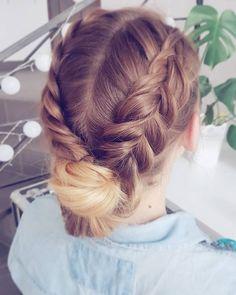 Kto jeszcze nie widział tutorialu?  W najnowszym filmiku na Youtube.com/hairbyjul zobaczycie tą i 3 inne fryzury do szkoły dla długich grubych włosów  ----------- #hairbyme #hairbyjul #blog #blogerka #youtuberka #fryzura #diy #tutorial #fryzury #krokpokroku #wroclaw #klos #warkocze #fryzurazklosem #blond #pomyslnafryzure #inspiracje #doszkoly #fruzuradoszkoły Hairstyles For School, Girl Hairstyles, Hair Beauty, Make Up, Blond, Hair Styles, Youtube, Instagram, Clay