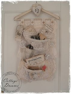 Lace Pocket Hanger #diy #crafts