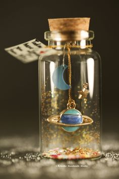 I love you to the moon & backTiny message in a bottleMiniaturesPersonalised GiftlovecardValentine CardGift for her/himGirlfriend gift Glass Bottle Crafts, Mini Glass Bottles, Small Bottles, Bottles And Jars, Bottle Art, Water Bottle, Bottle Jewelry, Bottle Charms, Bottle Necklace