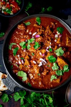 So tasty, this lighter slow-cooked spicy beef curry is amazing. Less than 500 calories including rice and Slimming friendly too! Slow Cooker Beef Curry, Slow Cooked Beef, Healthy Slow Cooker, Slow Cooker Recipes, Crockpot Beef Recipes, Slimming World Beef Curry, Slimming World Beef Recipes, Spicy Beef Curry Recipe, Curry Recipes