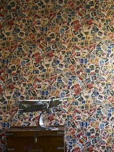LW53/1 - Mental Block - Featuring a vintage cartoon design this eye catcher would be perfect for someone with a love of animation. There's always something new to notice on this wallpaper.
