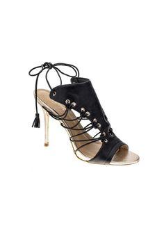 Sandália de couro sem forro com tiras. Palmilha forrada em couro acabamento metalizado dourado. Salto 10cm. Cristófoli verão 2015.