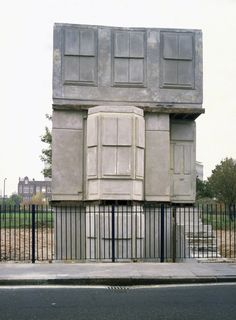 An east-end terrace house cast in concrete - Sculpture - Print the sulpture yourself - Rachel Whitereads House. An east-end terrace house cast in concrete Concrete Sculpture, Sculpture Art, Concrete Art, Rachel Whiteread, House Cast, House 2, Art Public, Turner Prize, Ghost House