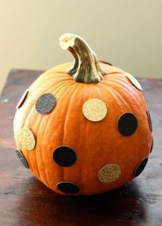 DIY Pumpkin Crafts : DIY Polka Dot Pumpkin