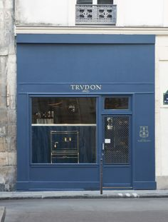 Cire Trudon, Le Marais. Streamlined, classic design, true to brand. Attracts consumers and woos brand loyalists.