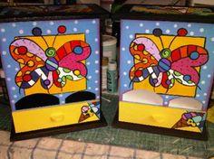 dispensador de toallas sanitarias porta toallas sanitarias madera mdf,pintura acrilica pintura sobre madera Arte Country, Cloth Pads, Scrap, Arcade Games, Ideas Para, Toy Chest, Projects, Crafts, Painting