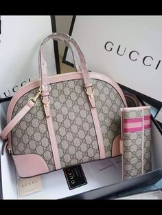 Complete your feminine look with this lovely, functional and flexible Gucci Nice GG Supreme Canvas Top Handle Bag which is in doom shape. View more at http://www.luxtime.su/gucci-nice-gg-supreme-canvas-top-handle-bag-gu309617-pink