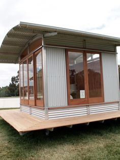 Just another example of corrugated iron cladding and nice big windows. Just imagine something like that but built on a trailer so that it was mobile. House Cladding, House Siding, Backyard Office, Backyard Sheds, Shed Homes, Kit Homes, Cabana, Cladding Systems, Tin House