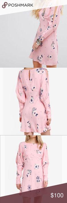FREE PEOPLE Sun Shadows Mini Dress - Mini dress printed with floral design  - Crewneck - Long sleeves  - Buttoned barrel cuffs  - Button closure at back keyhole  - Viscose/tencel - Machine wash Free People Dresses Mini