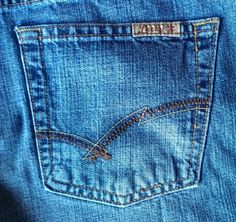Lucky Brand Showstopper Women's #Denim #Jeans Size 12 / 31 Low Rise Flare Cut $22.00 #LuckyBrand #Flare #Fashion www.iiwiiMerchandise.com