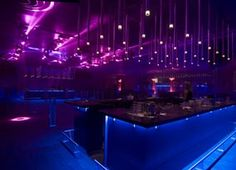 La mouche. Nightclub.