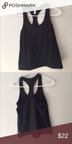 Lole racer black tank • Scoop neck • Racer back • Reflective logo • Length: 26 in./66 cm • Falls just below the hips2nd Skin Peached  Composition: 88% Polyester, 12% Elastane Weight: 180 GSM • Moisture transport • 4 Way Stretch • UPF 50+ • Quick Dry Lole Tops Tank Tops