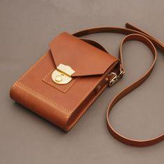 leather mini satchel bag TAN by navico Ledertasche TAN von navico Leather Satchel, Leather Wallet, Tote Handbags, Leather Handbags, Diaper Bag Backpack, Diaper Bags, Leather Bags Handmade, Crossbody Bag, Satchel Bag