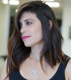 23 Medium Length Hairstyles & Haircuts for Square Shaped Faces - Hair Styles Layered Hair With Bangs, Medium Layered Hair, Medium Hair Cuts, Medium Hair Styles, Thick Hair, Haircut For Square Face, Square Face Hairstyles, Medium Short Haircuts, Layered Haircuts
