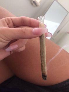 How to grow cannabis Girl Smoking, Smoking Weed, Weed Girls, Puff And Pass, Stoner Girl, Bad Girl Aesthetic, Ganja, Cannabis, Mary Janes