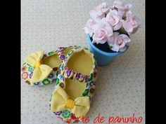 This tutorial shows you how to create two different styles of adorable baby booties based on an Ellie Mae design, using Kwik Sew 0141 PURCHASE PATTERN: https. Sewing Hacks, Sewing Tutorials, Sewing Projects, Baby Booties, Baby Shoes, Baby Hammock, Crochet Baby Boots, Baby Dress Design, Shoe Crafts