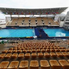Sports: The Water in the Olympic Diving Pool Turned Green