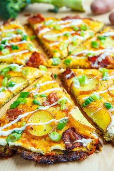 Loaded Baked Potato Broccoli Crust Pizza by Closet Cooking Broccoli Crust Pizza, Cauliflower Crust Pizza, Pizza Recipes, Healthy Recipes, Pizza Tarts, Loaded Baked Potatoes, Different Vegetables, Eat Pizza, Deep Dish