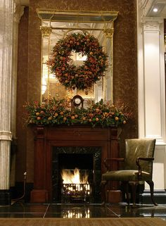 Holiday Elegant Wreath & Mantel