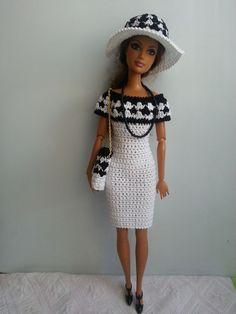 vêtement poupée mannequin Barbie (280)