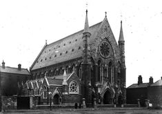 Old Pictures, Old Photos, Irish Independence, City Library, Dublin City, Photo Engraving, Dublin Ireland, Online Images, Barcelona Cathedral