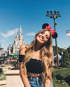 He llegado Disney! The post He llegado Disney! appeared first on Platinium Moda. Disney World Outfits, Walt Disney World, Disney World Fotos, Disney Disney, Disney Ideas, Disneyland Photography, Disneyland Photos, Disneyland Outfits, Disneyland Outfit Summer