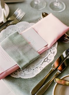 lace place setting | Divine Light Photography