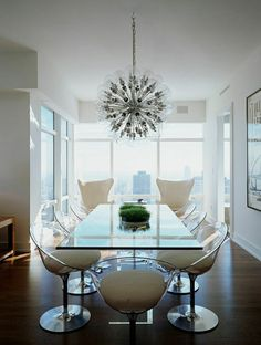 jolie table grande rectangulaire pour le salon, plateau de table en verre