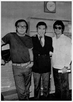 Bruce Lee Hong Kong actor Way Of The Dragon, Enter The Dragon, Bruce Lee Master, Bruce Lee Martial Arts, Bruce Lee Photos, Jeet Kune Do, Martial Artists, Rare Photos, The Beatles
