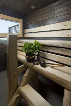 Dark panel and pale aspen combined beautifully. Honka log homes. Modern Saunas, Traditional Saunas, Sauna Design, Outdoor Sauna, Finnish Sauna, Spa Rooms, Simple Bathroom, Bathroom Ideas, Home Spa