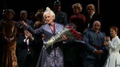 Soprano star Dame Kiri te Kanawa turns 70 - on stage