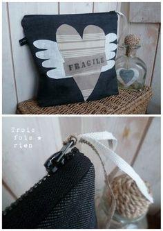 pochette à ailes d'ange FRAGILE
