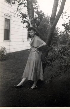 Sister Strikes a pose, 1948.    [From The Beach House Album, 1946-49]    ©WaheedPhotoArchive, 2011