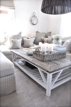 coffee table & pillows