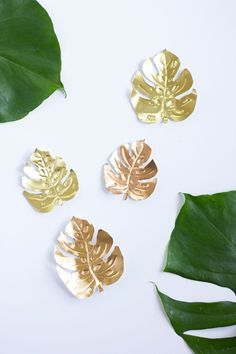 DIY Tropische magneten met metallic coating // via Design Improvised