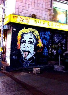 Einstein? makes his mark in Hongdae, Seoul. #ContemporaryKoreanArt #PhotojournalismKorea