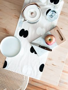 DIY Project: Apple Stamp Table Runner - http://www.decoradecor.com/diy-project-apple-stamp-table-runner.html