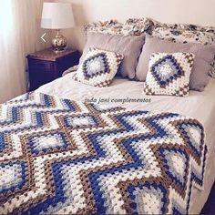 Easy Breezy Mile A Minute Crochet Baby Blanket Pattern - Crochet Winter Modern Crochet Blanket, Crochet For Beginners Blanket, Crochet Blanket Patterns, Baby Blanket Crochet, Crochet Blankets, Crochet Bedspread, Crochet Pillow, Crochet Granny, Crochet Yarn