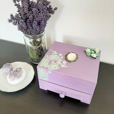 MeadowColors (@meadowcolors) • Fotky a videa na Instagramu Jewellery Box, Decorative Boxes, Instagram, Home Decor, Decoration Home, Jewelry Case, Room Decor, Jewel Box, Jewelry Box