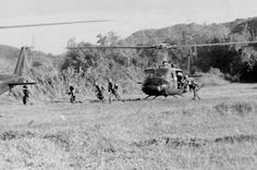 Battle Of Ia Drang - Vietnam War This was the first major battle in the Vietnam War to be fought between opposing regulars from the U. Army and the People's Army of Vietnam. North Vietnam, Vietnam War, Vietnam Veterans, Battle Of Ia Drang, Military Helicopter, Military History, Military Photos, Us Army, World War Ii