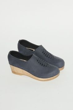 No.6 top weave clog shoe on mid wedge in navy