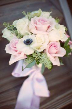 me encanta este ramo de #boda tan delicado y romántico  heath0r:    i love the soft colors