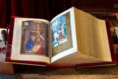 Grimani Breviary (Ms. Lat. I, 99=2138 › Biblioteca Nazionale Marciana)  A monumental witness to the splendor of Flemish art produced during the Renaissance. Perhaps an outstanding features of this manuscript is the choice of motifs, which alternate between religious and lay themes.