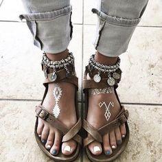 New moda boho chic bohemian fashion boots 49 Ideas Moda Boho, Boho Gypsy, Hippie Boho, Bohemian Jewelry, Bohemian Fashion, Gypsy Style, Hippie Style Hair, Hippie Style Summer, Goth Summer