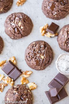 Dark Chocolate Chunk Cookies have melty chocolate chunks and toasted walnuts for crunch! These fudgy dark chocolate cookies are gluten-free, paleo & vegan. Paleo Cookies, Gluten Free Cookies, Gluten Free Baking, Cookie Recipes, Dessert Recipes, Chip Cookies, Paleo Recipes, Free Recipes, Paleo Baking