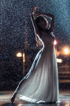 Dancing in the Rain - Regen Rain Photography, Fantasy Photography, Girl Photography Poses, Fashion Photography, Color Photography, I Love Rain, Shotting Photo, Photographie Portrait Inspiration, Dance Poses