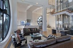 I'd live in this DUMBO penthouse anyday! It's inside a clock-tower with views of the Manhattan skyline and the Brooklyn Bridge.